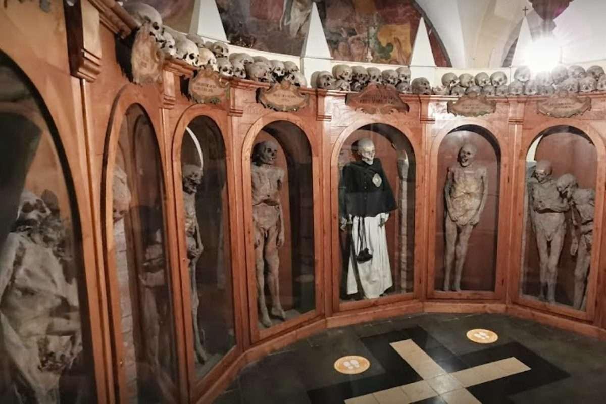 Urbania - La chiesa dei morti